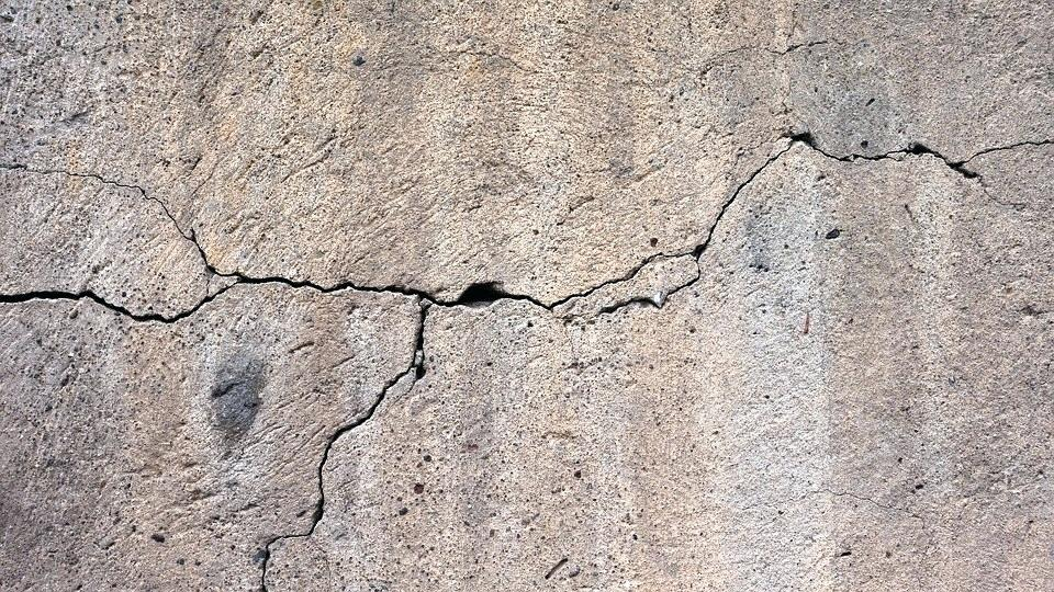 Wall Cracks | Mishawaka, IN | Everdry Waterproofing of Michiana